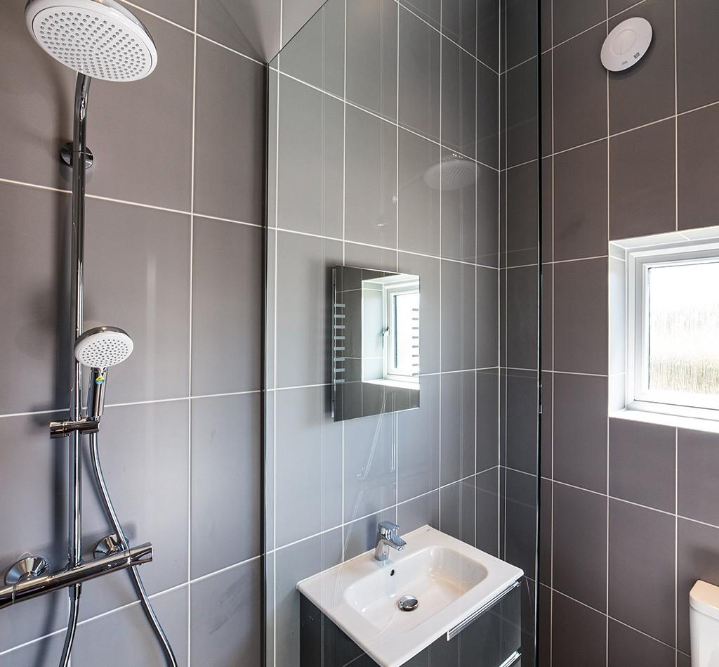 Shower-image-Northam-1024x949
